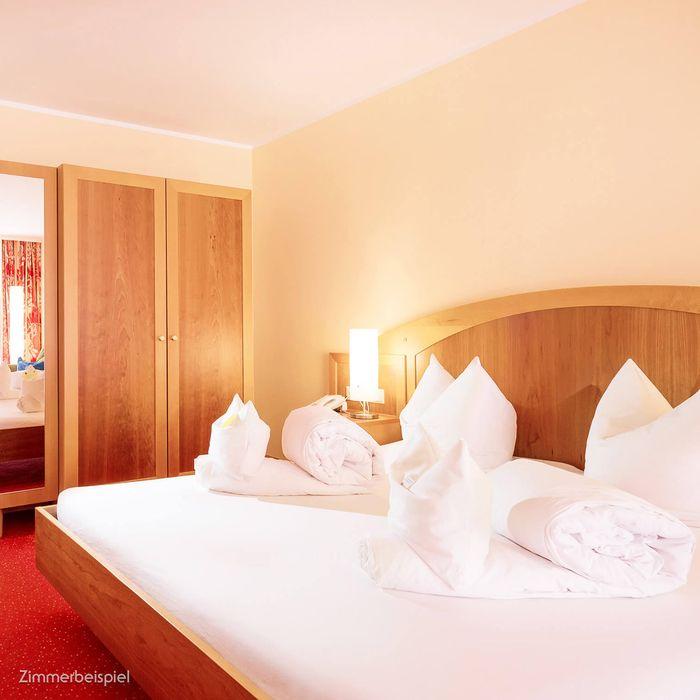 In unserem Wohlfühl Doppelzimmer finden Sie das stilvolle Ambiente unserer Gesundheitshotels und eine ganze Reihe an klassischen Annehmlichkeiten