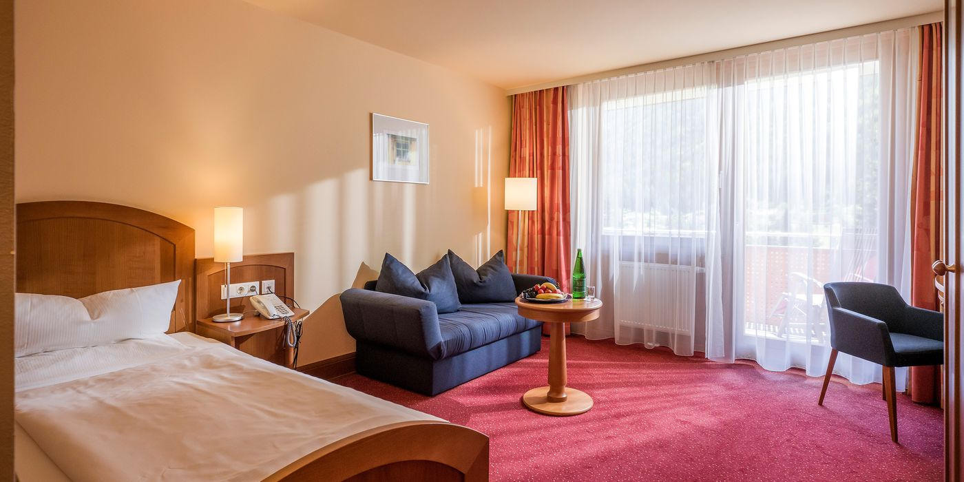 Zimmerbeispiel für ein Wohlfühl Einzelzimmer im Vivea Gesundheitshotel Bad Bleiberg
