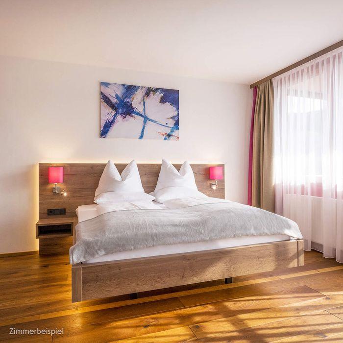 In unserem Wohlfühl Doppelzimmer finden Sie das stilvolle Ambiente unserer Gesundheitshotels und eine ganze Reihe an klassischen Annehmlichkeiten.