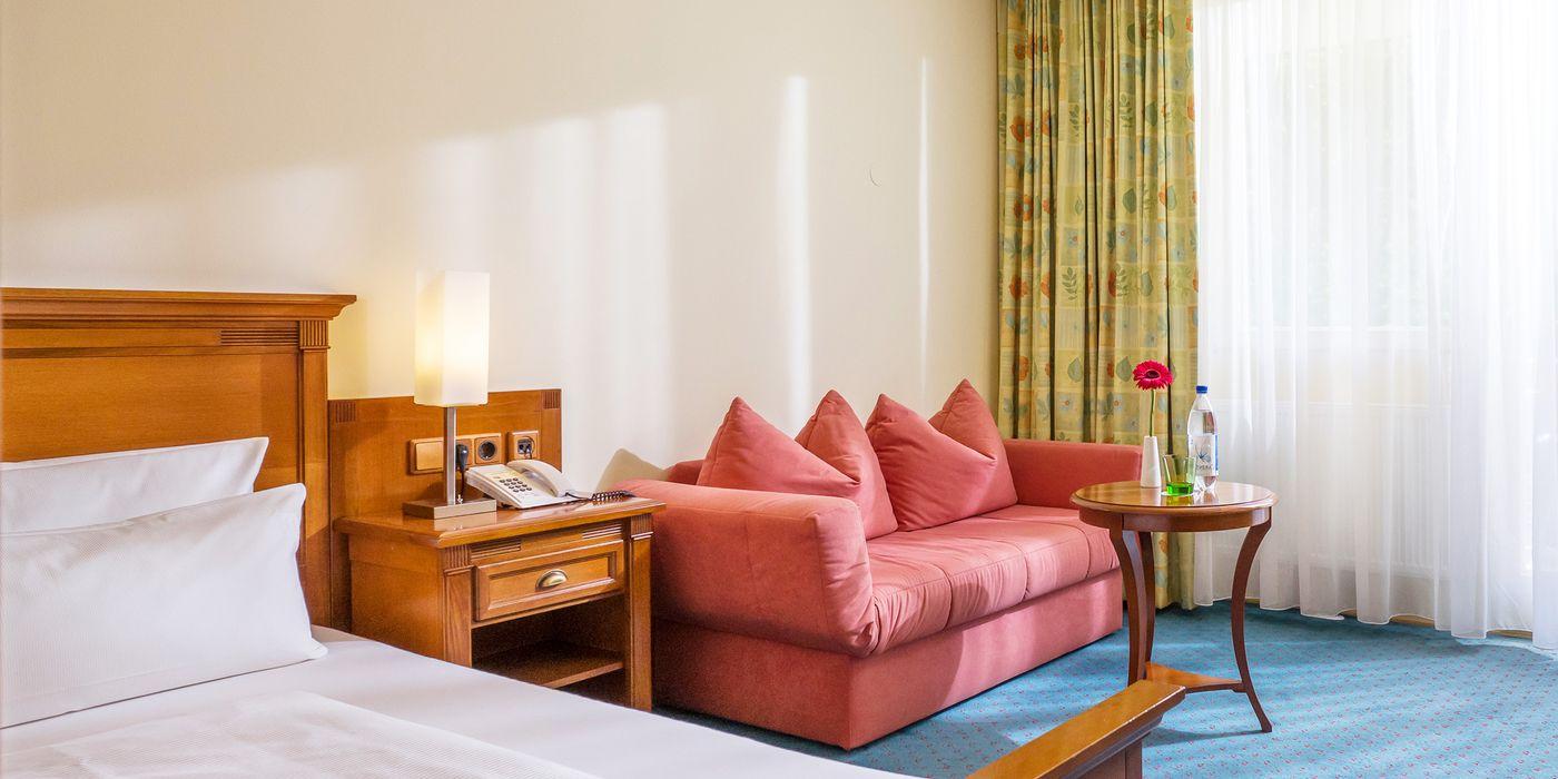 Zimmerbeispiel für ein Wohlfühl Einzelzimmer im Vivea Gesundheitshotel Bad Eisenkappel