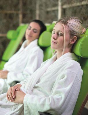 In verschiedensten Ruheräumen genießen Sie die wohltuende Wärme der Relaxliegen.