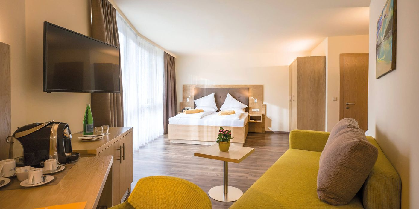 Zimmerbeispiel für eine Premium Suite im Vivea Gesundheitshotel Bad Häring